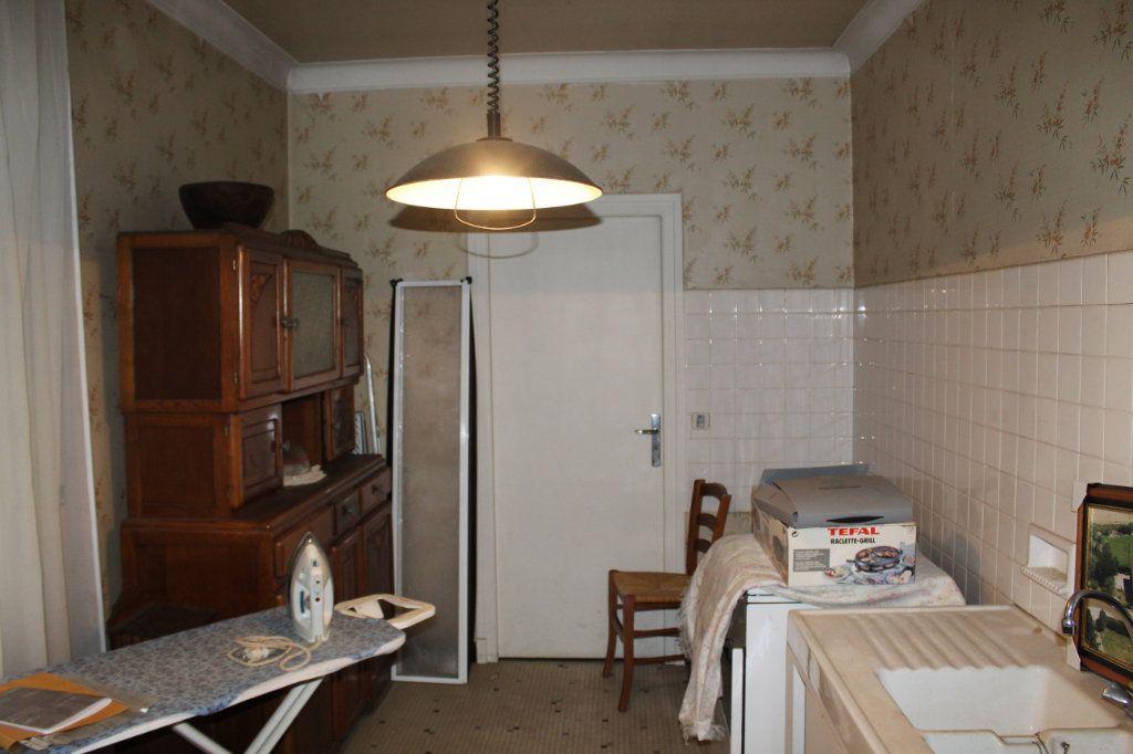 Maison à vendre 6 148.21m2 à Saint-Sulpice-Laurière vignette-9