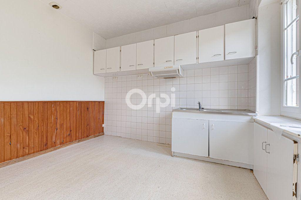 Maison à vendre 4 55m2 à Saint-Priest-Taurion vignette-2