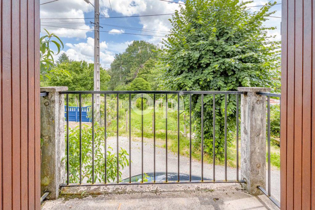 Maison à vendre 4 55m2 à Saint-Priest-Taurion vignette-5