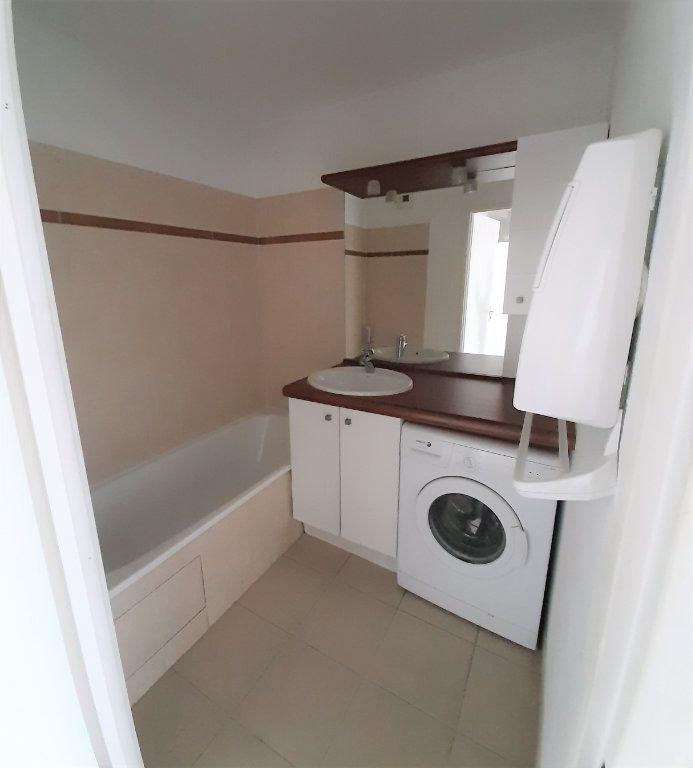 Appartement à louer 3 63.65m2 à Grenade vignette-5