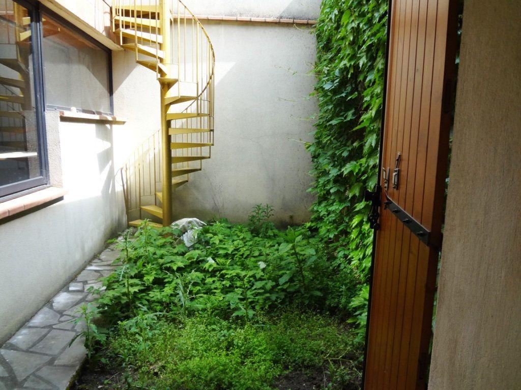 Maison à vendre 6 180m2 à Grenade vignette-3