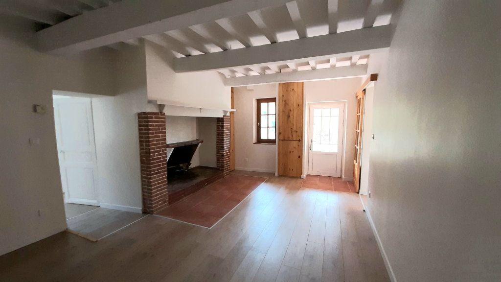 Maison à louer 6 131.29m2 à Launac vignette-6