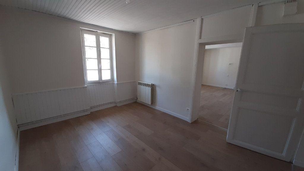Maison à louer 6 131.29m2 à Launac vignette-8