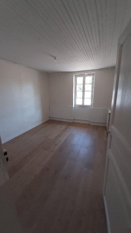 Maison à louer 6 131.29m2 à Launac vignette-9