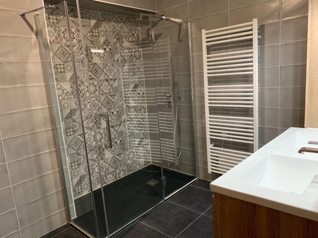 Appartement à vendre 3 106m2 à Toulouse vignette-2