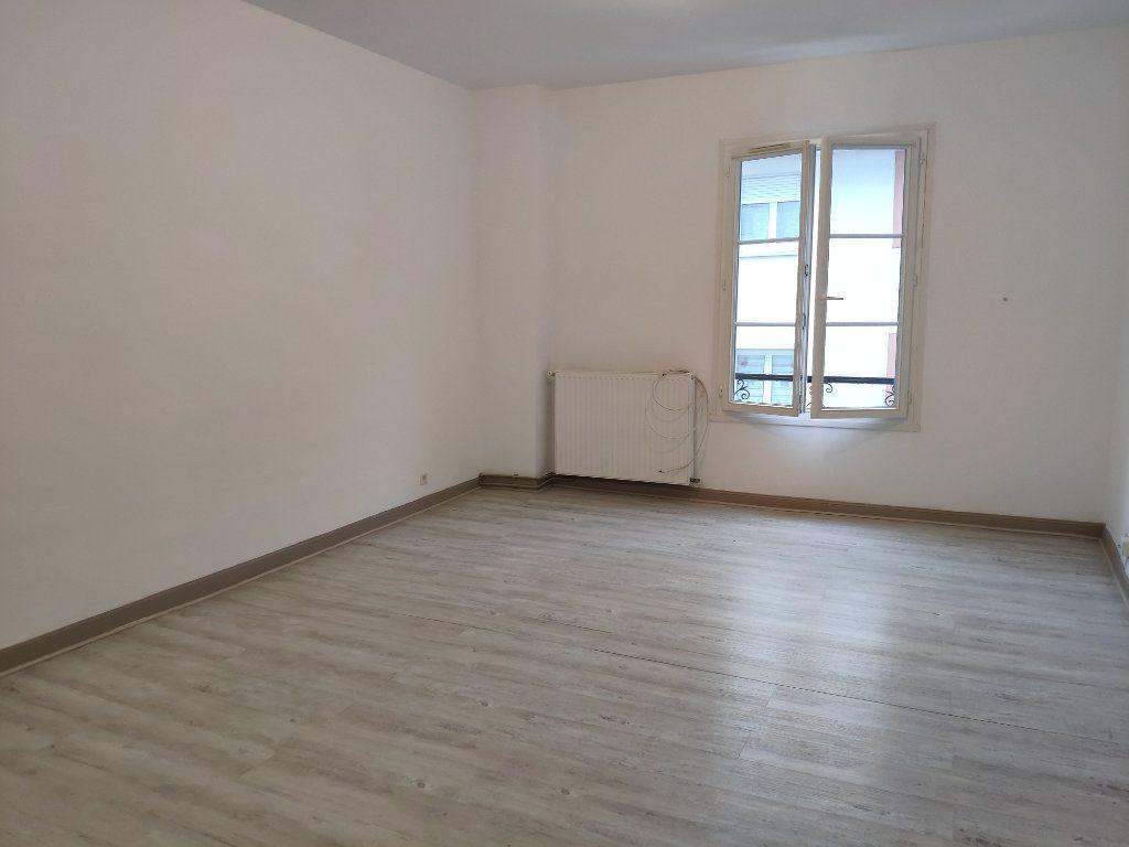 Appartement à louer 3 75.59m2 à Bayonne vignette-2
