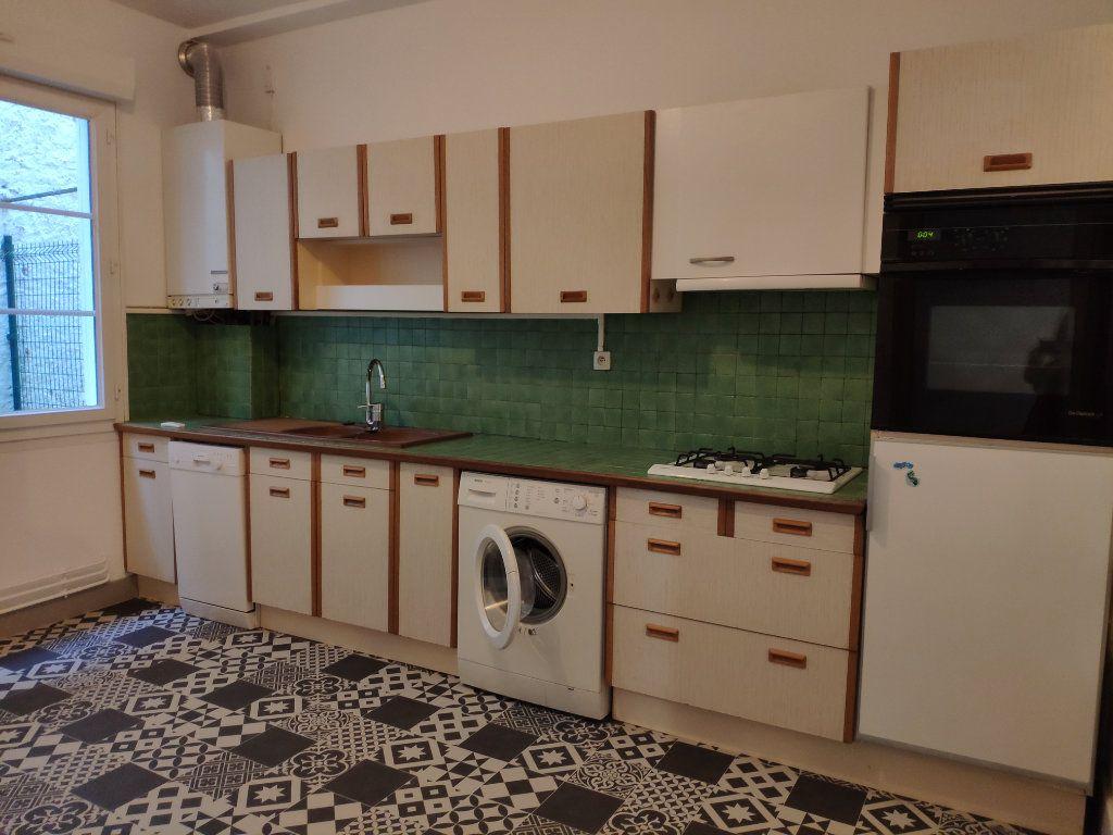 Appartement à louer 3 75.59m2 à Bayonne vignette-3
