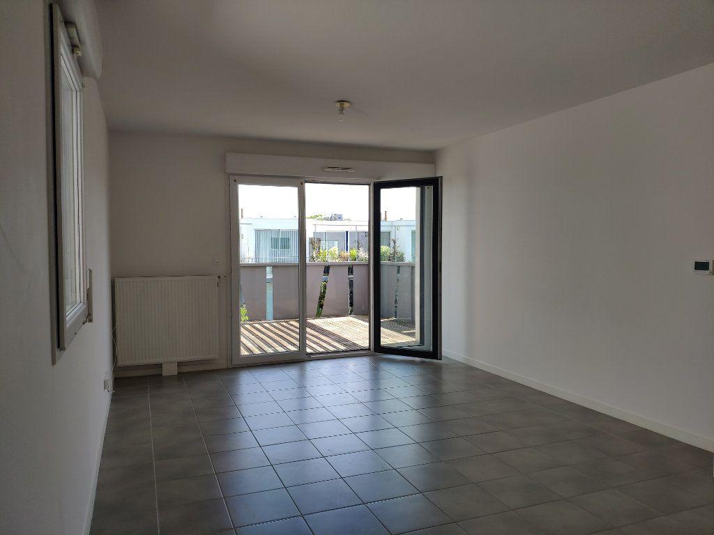 Appartement à louer 2 45.5m2 à Bayonne vignette-4