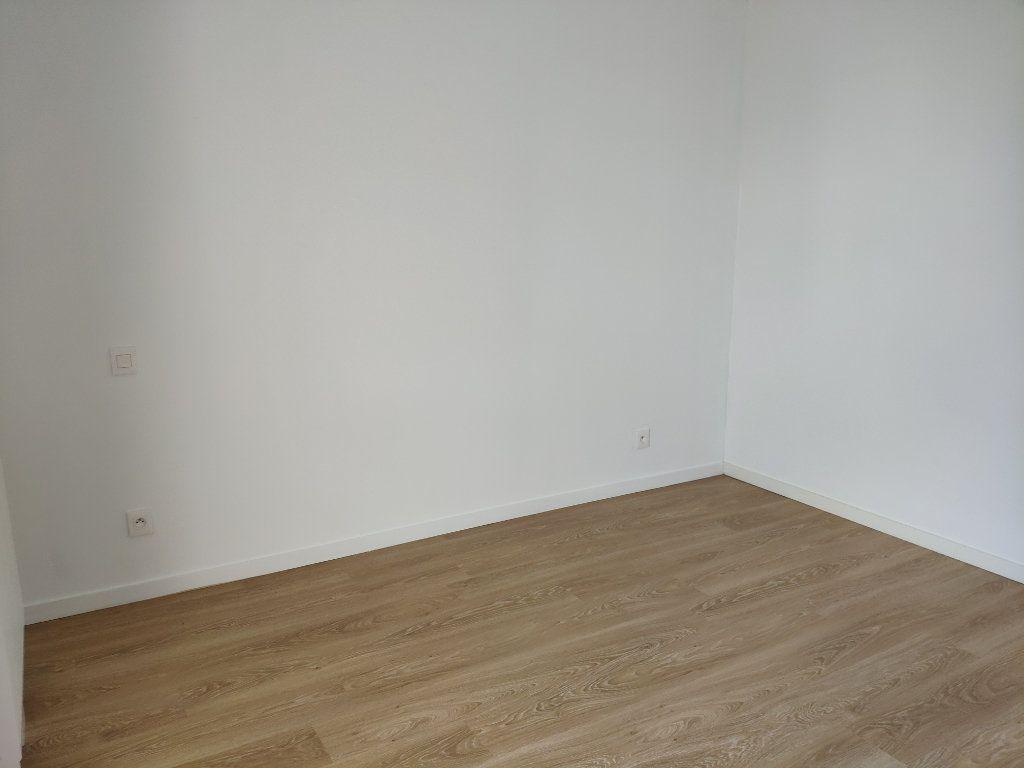 Appartement à louer 2 45.5m2 à Bayonne vignette-7