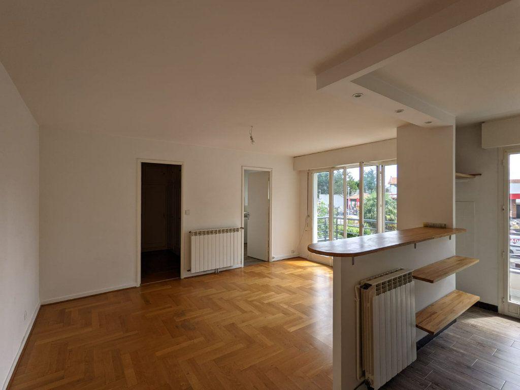 Appartement à louer 3 50.72m2 à Bayonne vignette-3