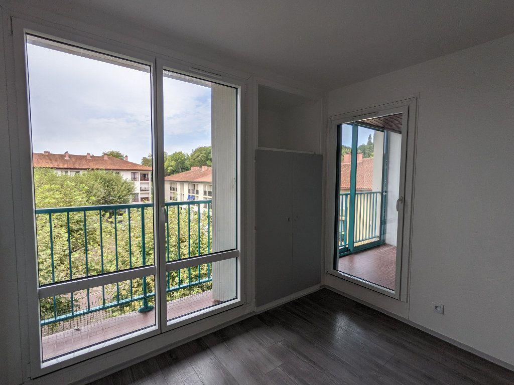 Appartement à louer 4 89.11m2 à Bayonne vignette-4
