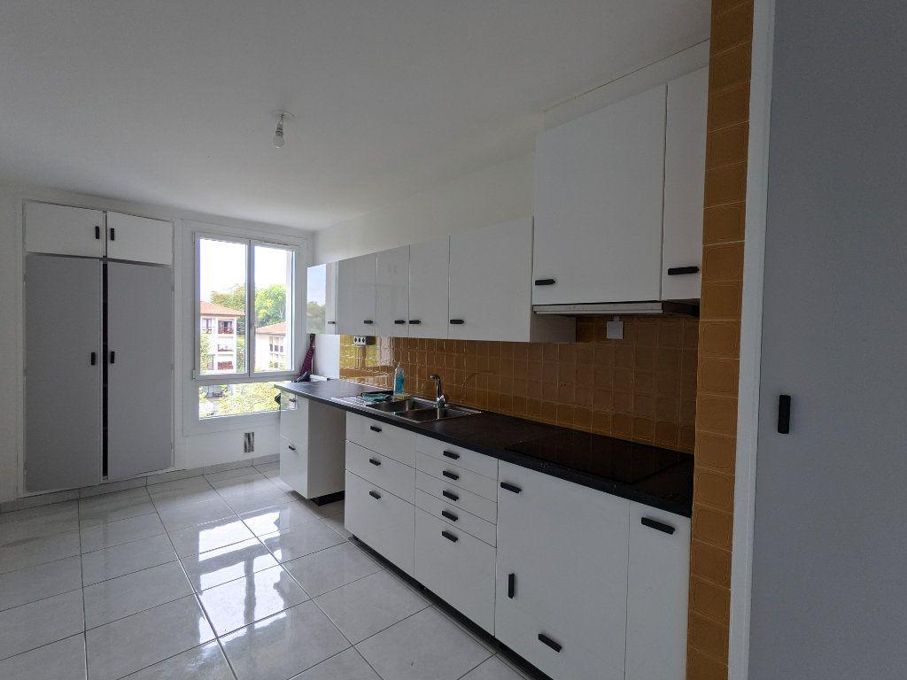 Appartement à louer 4 89.11m2 à Bayonne vignette-5