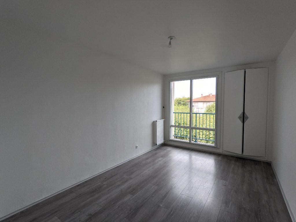 Appartement à louer 4 89.11m2 à Bayonne vignette-6