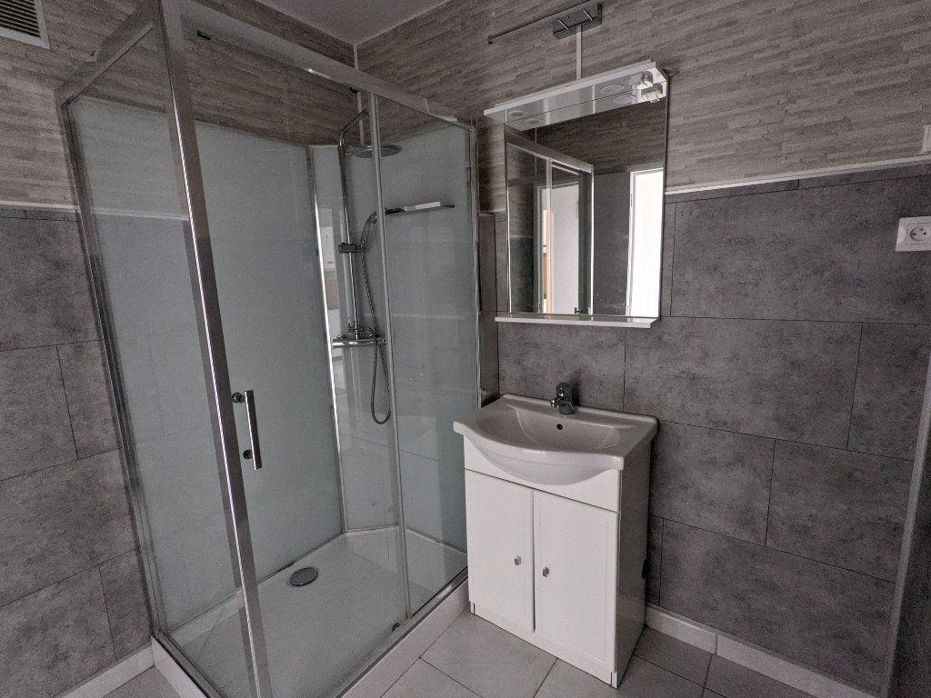 Appartement à louer 4 89.11m2 à Bayonne vignette-7