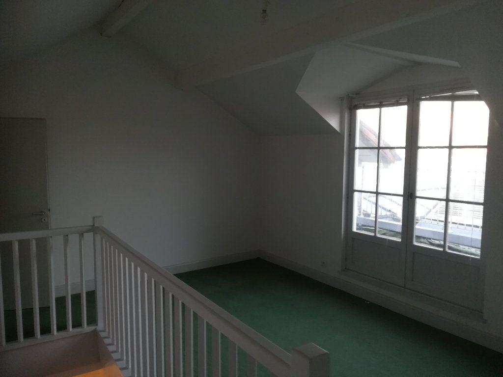 Appartement à louer 4 134m2 à Bayonne vignette-5