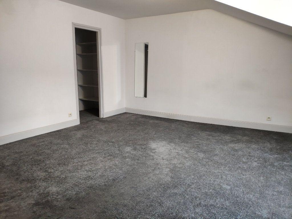 Appartement à louer 4 134m2 à Bayonne vignette-7