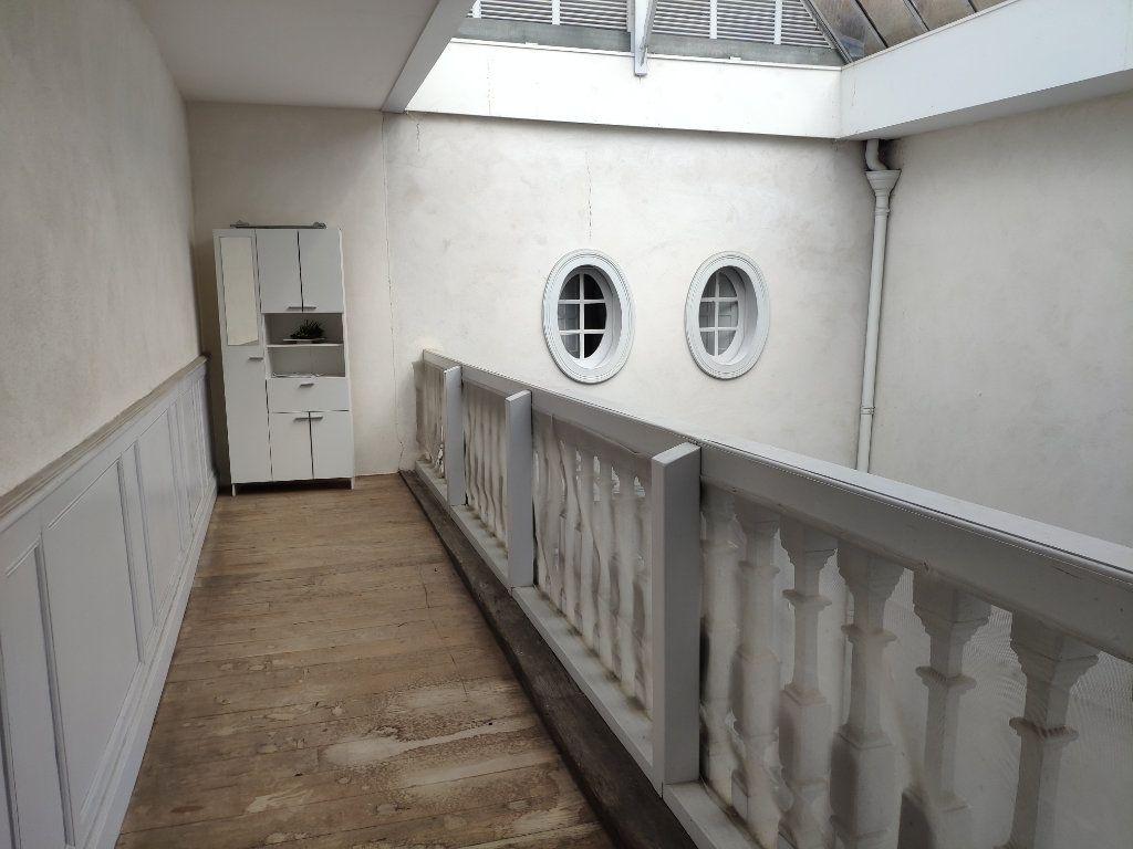 Appartement à louer 4 134m2 à Bayonne vignette-11