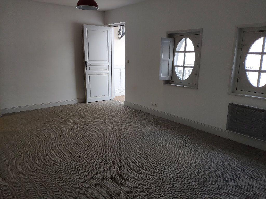 Appartement à louer 4 134m2 à Bayonne vignette-13