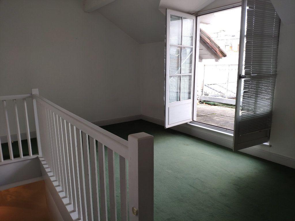 Appartement à louer 4 134m2 à Bayonne vignette-14