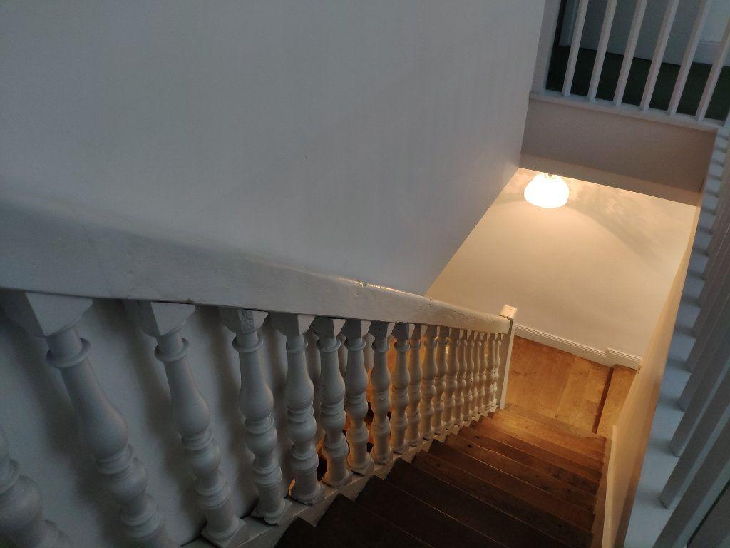 Appartement à louer 4 134m2 à Bayonne vignette-15
