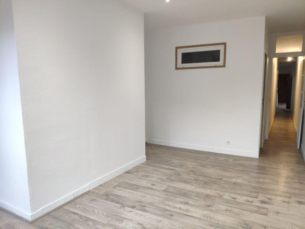 Appartement à louer 3 53.05m2 à Bayonne vignette-2