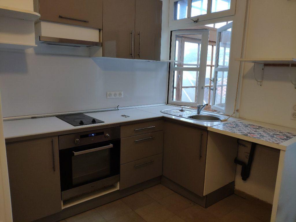 Appartement à louer 3 53.05m2 à Bayonne vignette-3