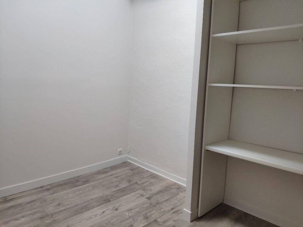 Appartement à louer 3 53.05m2 à Bayonne vignette-5