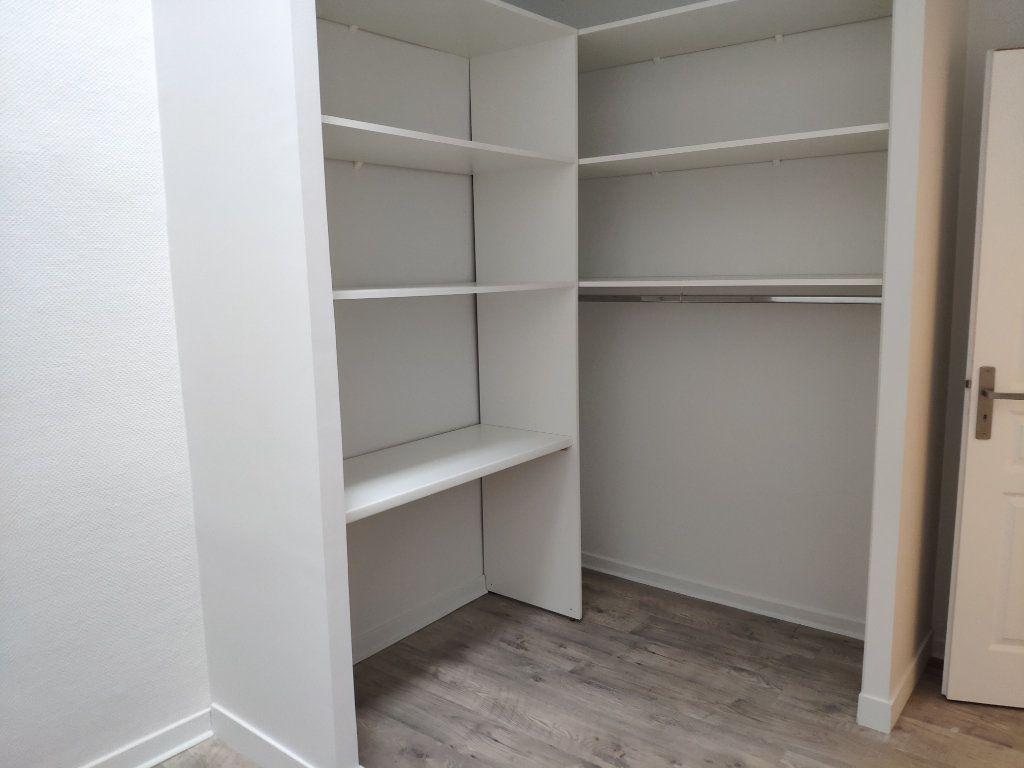 Appartement à louer 3 53.05m2 à Bayonne vignette-6