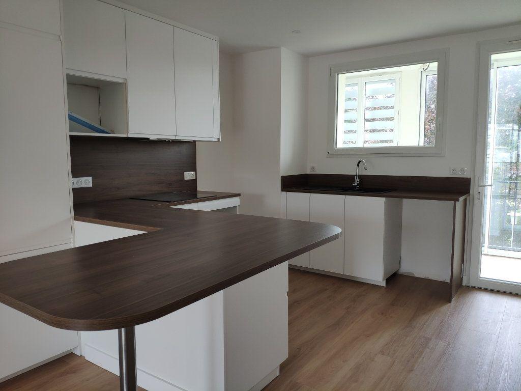 Appartement à louer 4 84.54m2 à Biarritz vignette-2