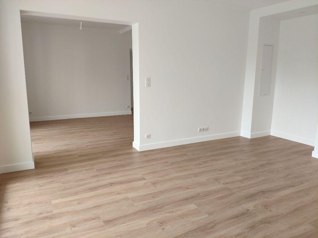 Appartement à louer 4 84.54m2 à Biarritz vignette-3