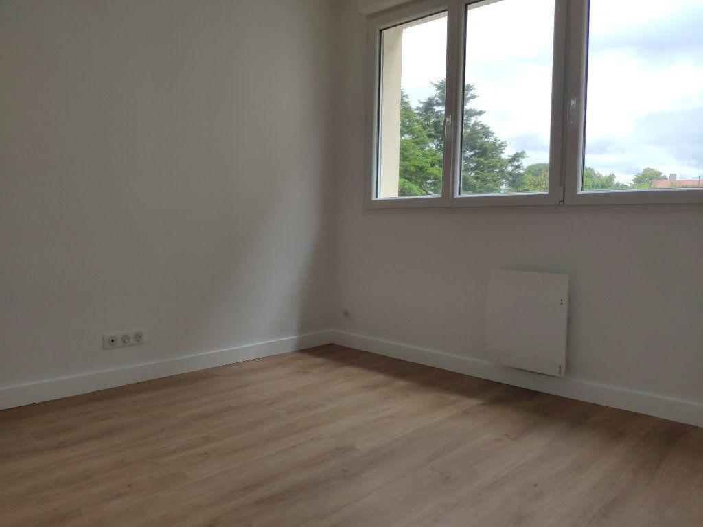 Appartement à louer 4 84.54m2 à Biarritz vignette-9