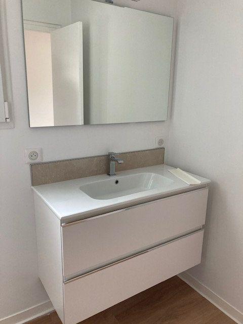 Appartement à louer 4 84.54m2 à Biarritz vignette-11