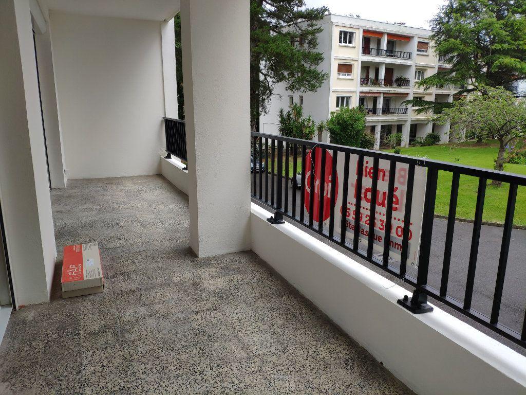 Appartement à louer 4 84.54m2 à Biarritz vignette-13