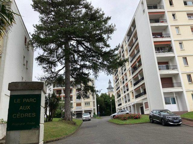 Appartement à louer 4 84.54m2 à Biarritz vignette-15