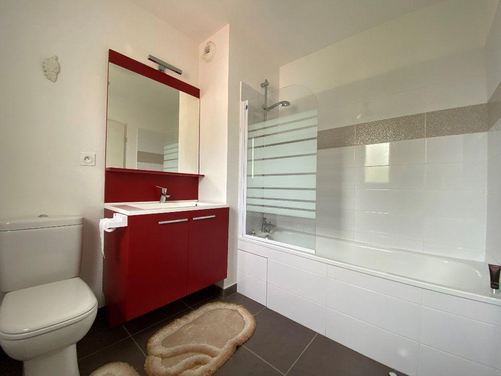 Maison à louer 3 71.13m2 à Mouguerre vignette-5