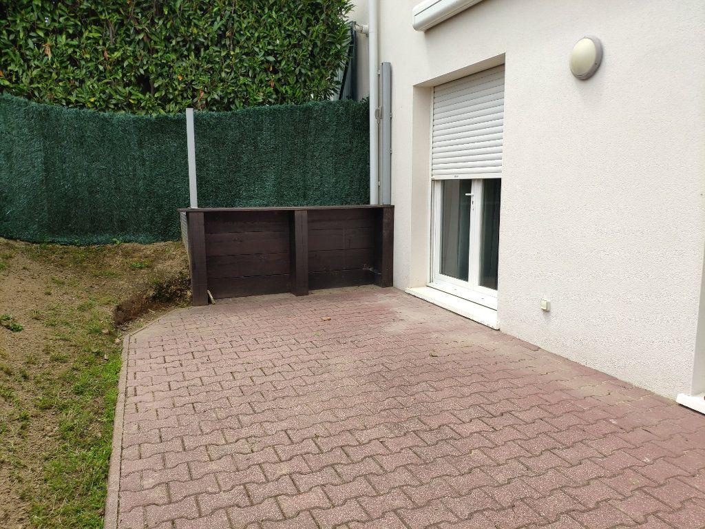 Maison à louer 3 71.13m2 à Mouguerre vignette-9