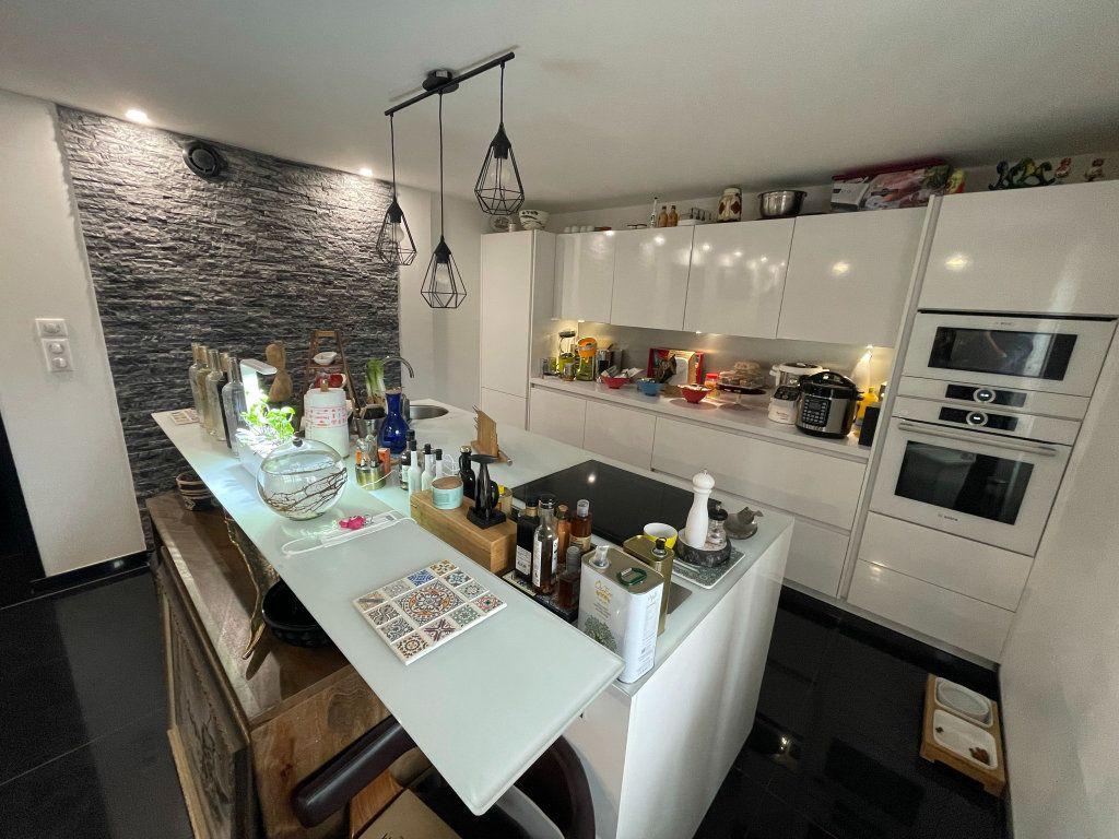 Appartement à vendre 2 75m2 à Biarritz vignette-3