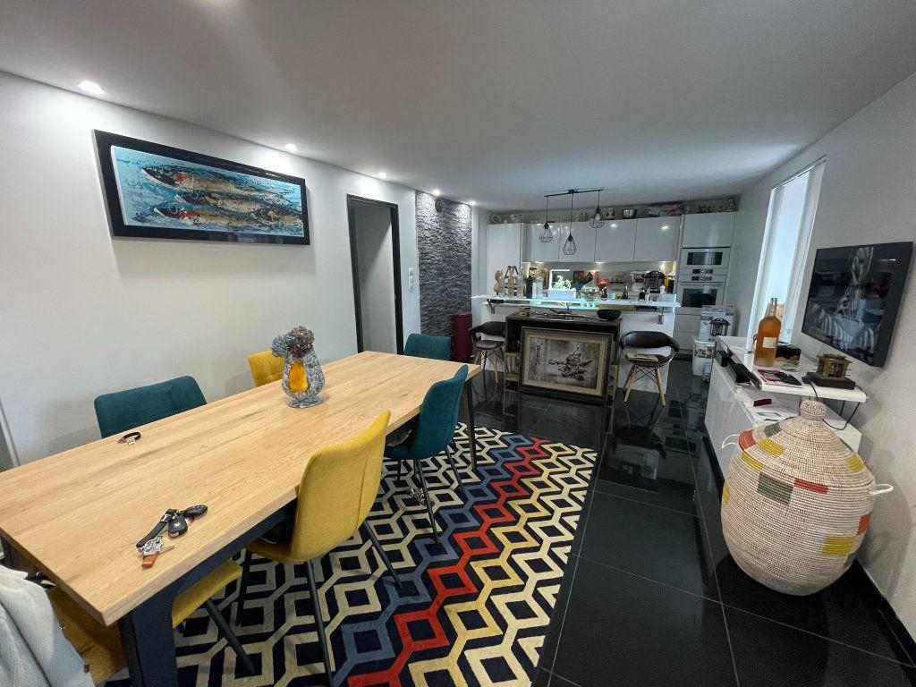 Appartement à vendre 2 75m2 à Biarritz vignette-4