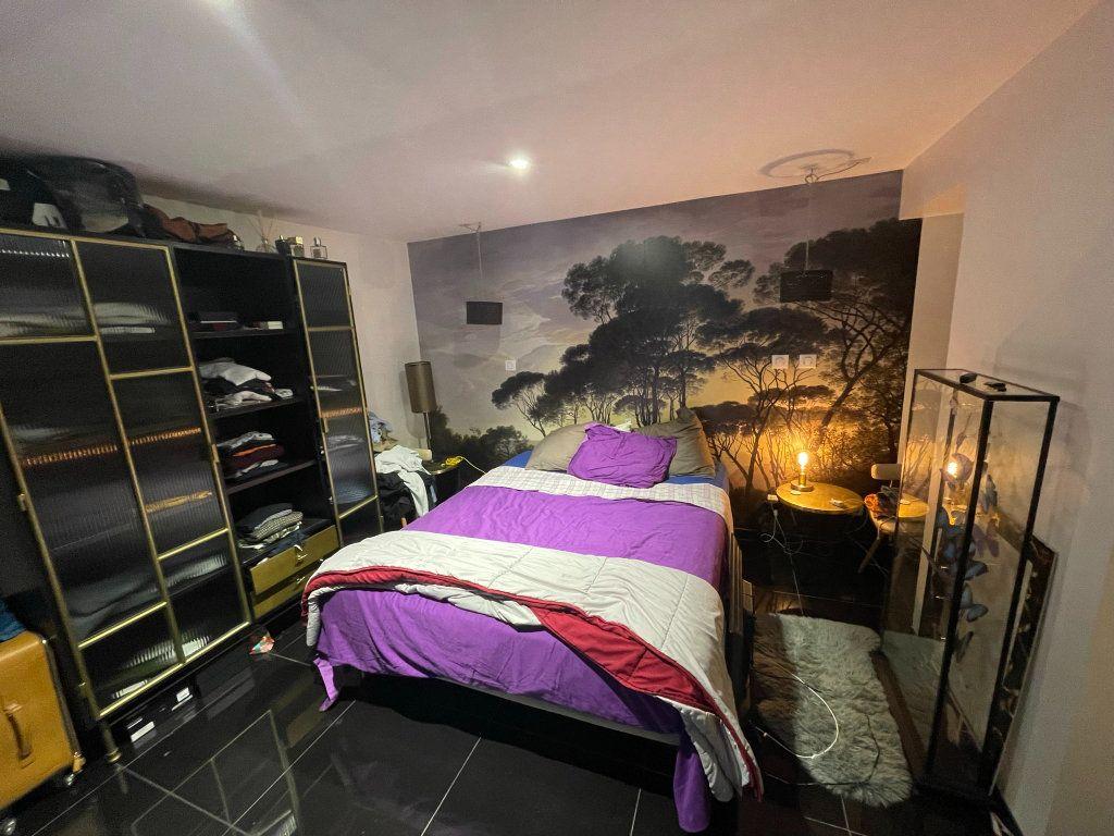 Appartement à vendre 2 75m2 à Biarritz vignette-5