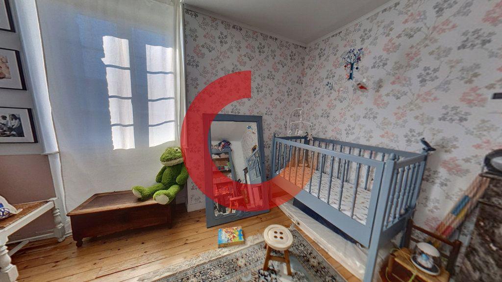 Maison à vendre 5 130m2 à Cholet vignette-6