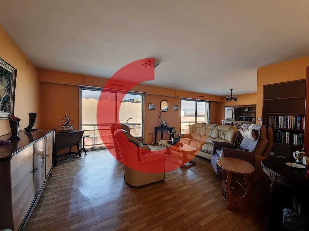 Appartement à vendre 3 80m2 à Cholet vignette-2