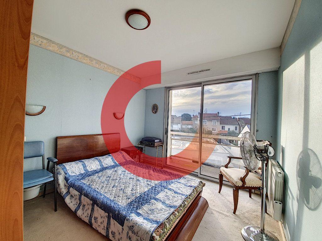 Appartement à vendre 3 80m2 à Cholet vignette-5