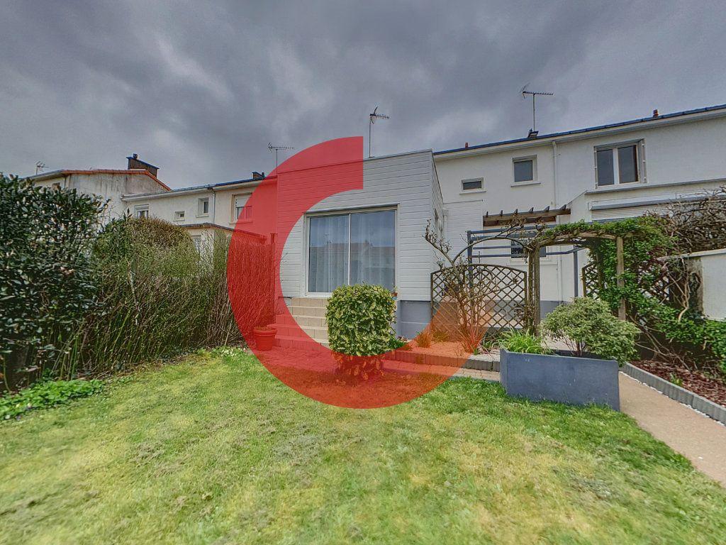 Maison à vendre 6 133m2 à Cholet vignette-3