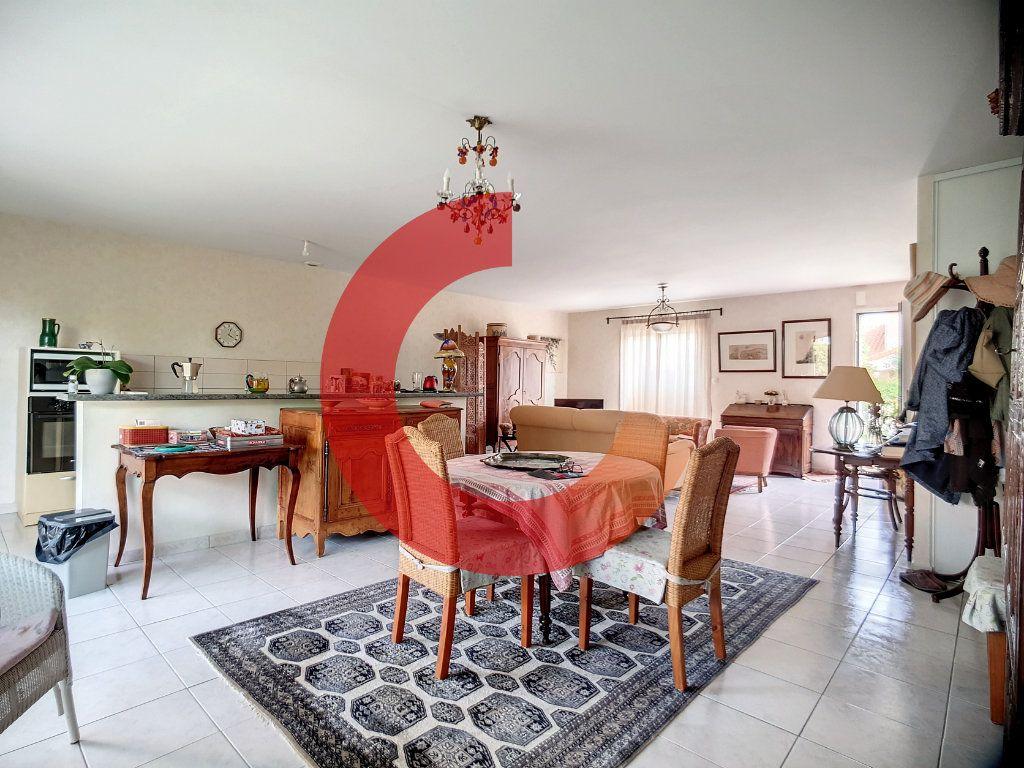 Maison à vendre 5 107m2 à Cholet vignette-3