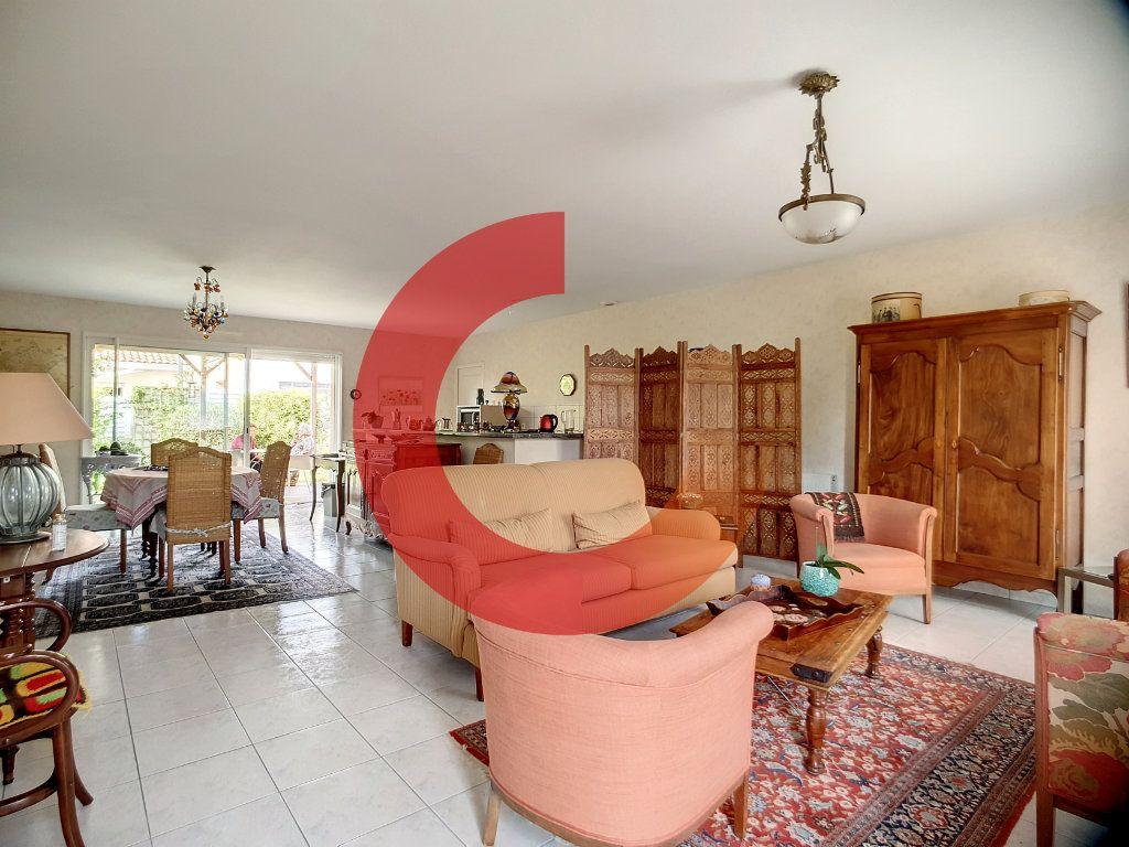 Maison à vendre 5 107m2 à Cholet vignette-4