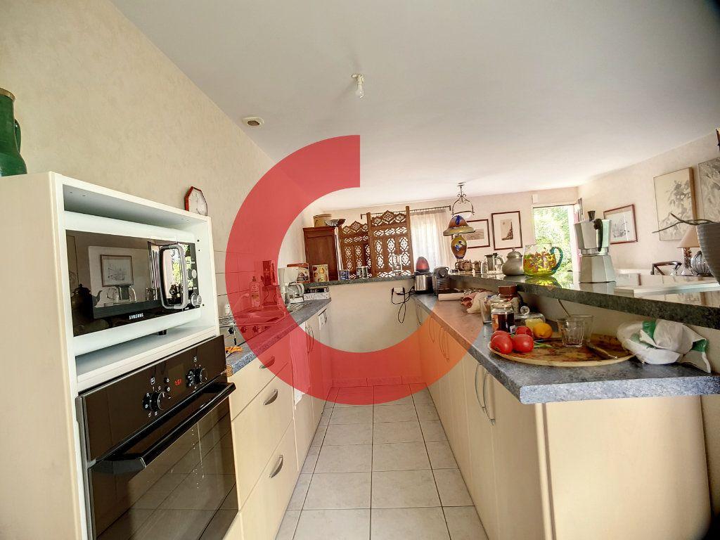 Maison à vendre 5 107m2 à Cholet vignette-5