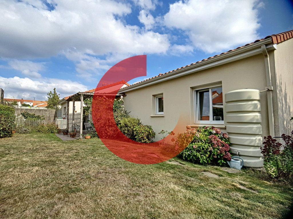 Maison à vendre 5 107m2 à Cholet vignette-6