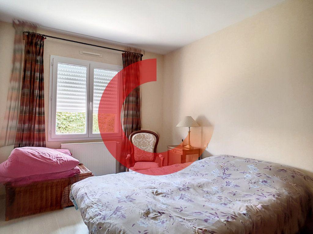 Maison à vendre 5 107m2 à Cholet vignette-9