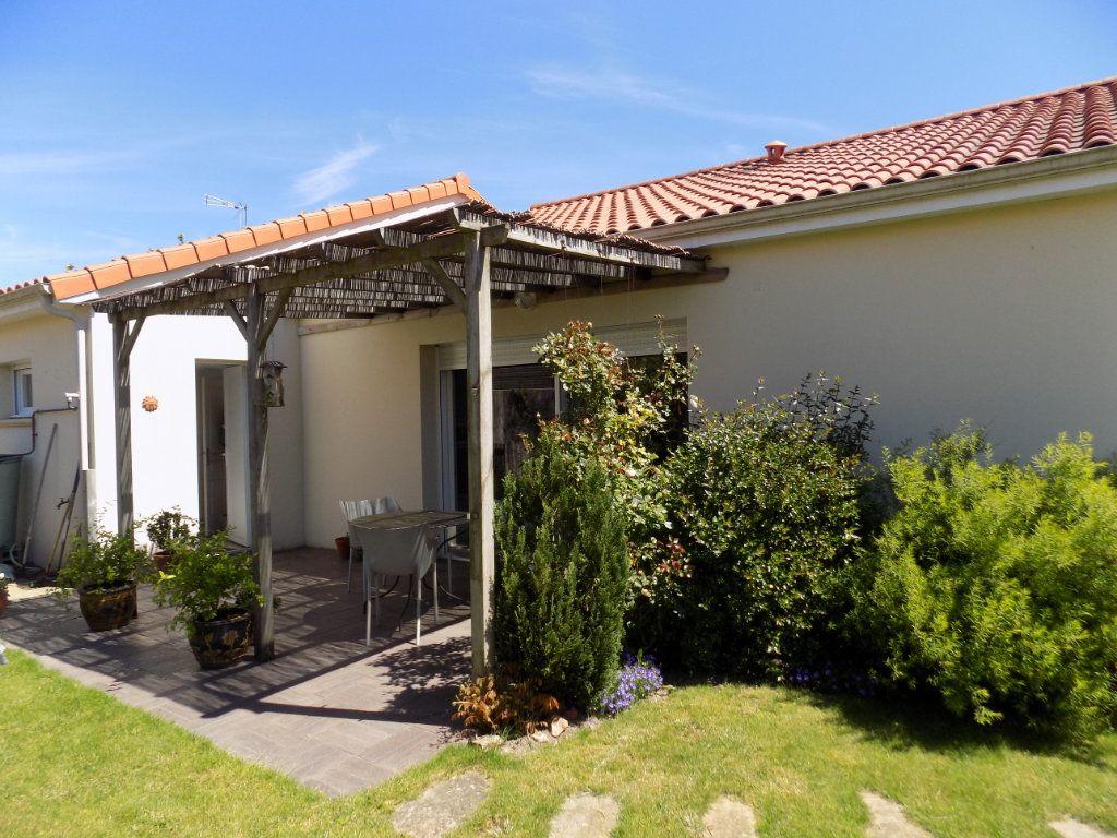 Maison à vendre 5 107m2 à Cholet vignette-11
