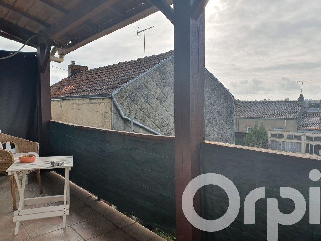 Maison à vendre 4 70m2 à Cholet vignette-4